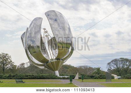 Buenos Aires Recoleta - Floralis Generica Sculpture
