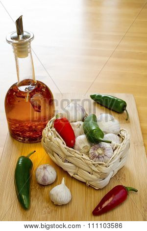 Garlic And Chilli Basket With Oil
