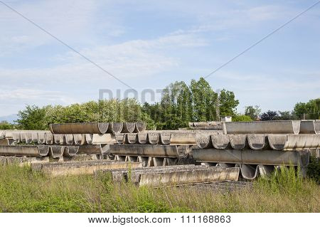 Prefabricated In Cement For The Construction Of Irrigation Channels