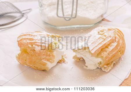 Eclair Cake With Custard