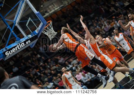 VALENCIA, SPAIN - DECEMBER 12th: Hamilton with ball during Spanish League between Valencia Basket Club and Montakit Fuenlabrada at Fonteta Stadium on December 12, 2015 in Valencia, Spain