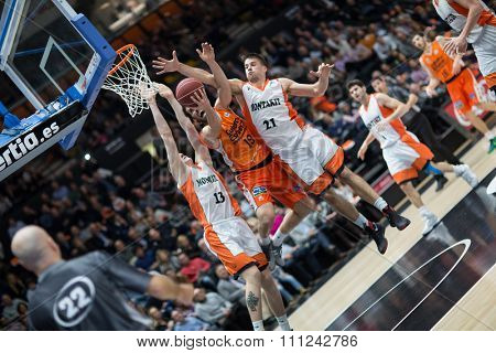 VALENCIA, SPAIN - DECEMBER 12th: San Emeterio with ball during Spanish League between Valencia Basket Club and Montakit Fuenlabrada at Fonteta Stadium on December 12, 2015 in Valencia, Spain