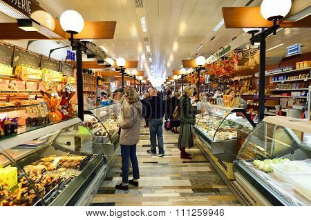 GENEVA, SWITZERLAND - NOVEMBER 18, 2015: interior of La Halle de Rive. Halle de Rive is indoor food market in Geneve, Switzerland.