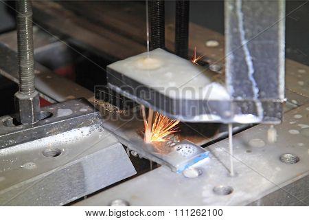 Metal Cutting Electric Spark Method