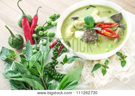 Green Curry Creamy Coconut Milk With Chicken , Popular Thai Food Called Gaeng Keow Wan Gai On Wooden