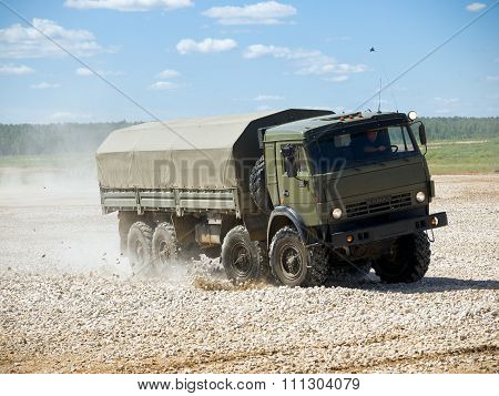 4-axle military truck