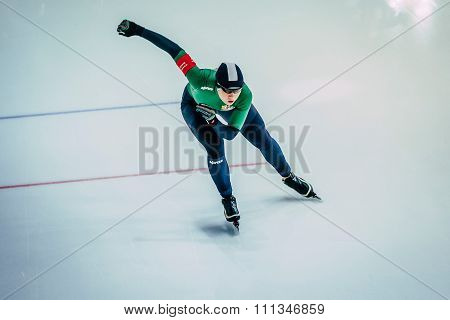 view from top woman athlete speedskater sprint running race