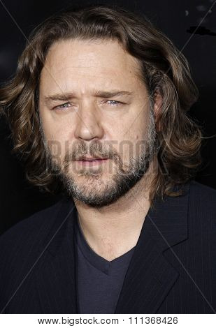 10/29/2007 - Hollywood - Russell Crowe attends the Hollywood Industry Screening of