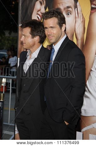 Jason Bateman and Ryan Reynolds at the Los Angeles Premiere of