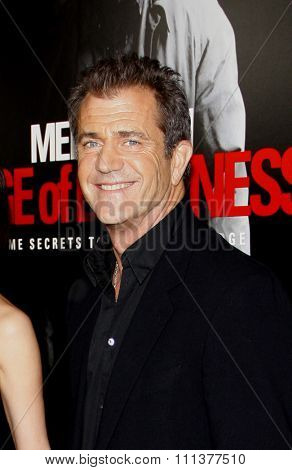HOLLYWOOD, CALIFORNIA - Tuesday January 26, 2010. Mel Gibson at the Los Angeles premiere of