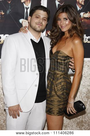 9/7/2009 - Hollywood - Jerry Ferrara and Jamie-Lynn Sigler at the HBO's Official Premiere of