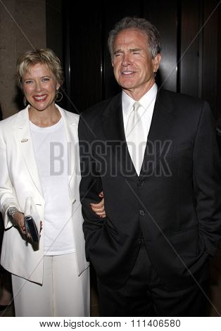 9/5/2009 - Beverly Hills - Annette Bening and Warren Beatty at the 2009 Noche De Ninos Gala held at the Beverly Hilton Hotel in Beverly Hills, United States.