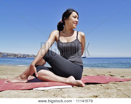 Bikram Yoga Arda Matsyendrasana Pose