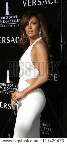 Jennifer Lopez attends the Rodeo Drive Walk Of Style Award honoring Gianni and Donatella Versace held at the Beverly Hills City Hall in Beverly Hills, California on February 8, 2007.