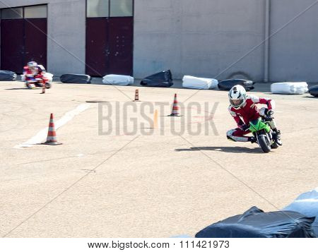 Racing Mini Motorbikes