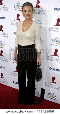 Kelly Carlson at the