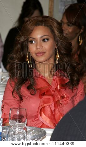 November 15, 2005 - Hollywood - Singer Beyonce Knowles of Destiny's Child at the 2005 World Children's Day at The Los Angeles Ronald McDonald House Ronald McDonald House in Hollywood, United States.