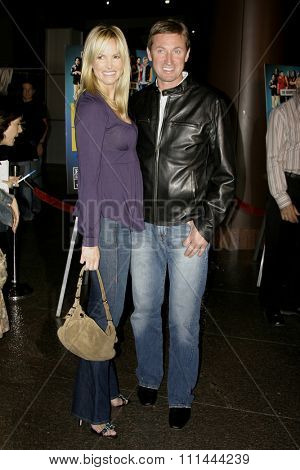 HOLLYWOOD, CALIFORNIA. August 23, 2005. Janet Jones and Wayne Gretzky at the World Premiere of