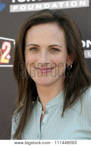 Marlee Matlin at the Standup For Skateparks benefit held at Pinz Bowling Alley in Studio City, California on October 3, 2004.