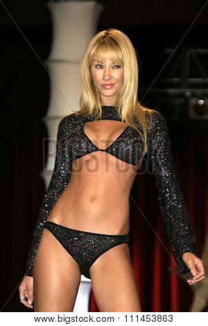 19 August 2004 - Hollywood, California - Baelyn Neff. Pelle Pelle's Celebrity Catwalk for charity hosted by Nicole Richie at the Palladium in Hollywood.