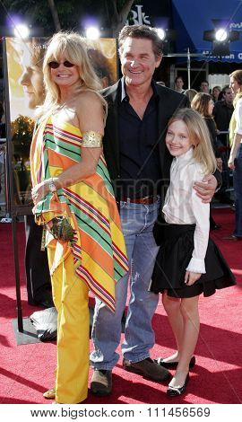 WESTWOOD, CALIFORNIA. October 9, 2005. Goldie Hawn, Kurt Russell and Dakota Fanning at the DreamWorks Pictures Premiere of 'Dreamer' at the Mann Village Theatre in Westwood, California United States.