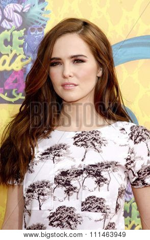 Zoey Deutch at the Nickelodeon's 27th Annual Kids' Choice Awards held at the USC Galen Center in Los Angeles on March 29, 2014 in Los Angeles, California.