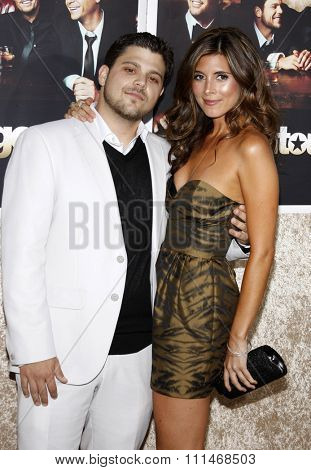 Jerry Ferrara and Jamie-Lynn Sigler at the HBO's 'Entourage' season 6 premiere held at the Paramount Studios Lot in Hollywood on July 9, 2009.
