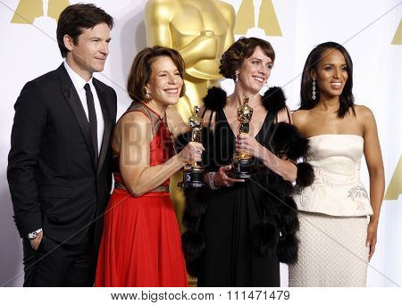 Jason Bateman, Ellen Goosenberg Kent, Dana Perry and Kerry Washington at the 87th Annual Academy Awards Press Room held at the Loews Hollywood Hotel in Hollywood on February 22, 2015.