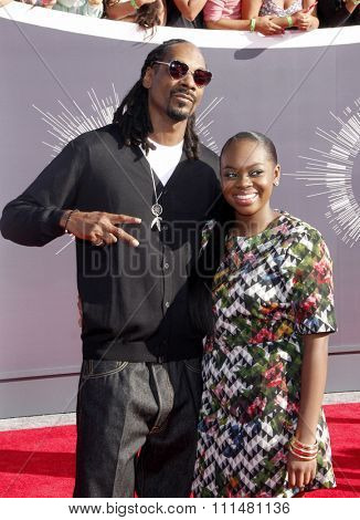 Snoop Dogg and Cori Broadus at the 2014 MTV Video Music Awards held at the Forum in Los Angeles on August 24, 2014 in Los Angeles, California.
