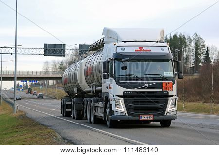 Volvo FM Tank Truck In ADR Transport