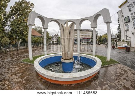 TARGU-JIU, ROMANIA-OCTOBER 08: Fountain in the downtown area  on October 08, 2014 in Targu-Jiu.
