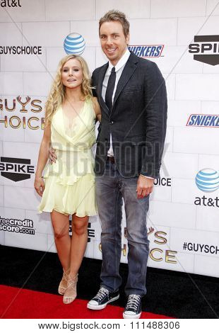 Kristen Bell and Dax Shepard at the 2012 Spike TV's Guys Choice Awards held at the Sony Studios in Culver City on June 2, 2012.