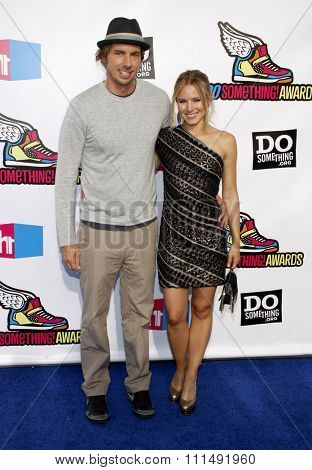 Dax Shepard and Kristen Bell at the 2011 Do Something Awards held at the Hollywood Palladium in Hollywood on August 14, 2011.
