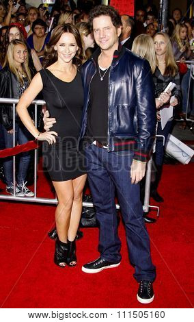 Jamie Kennedy and Jennifer Love Hewitt at the Los Angeles premiere of 'The Twilight Saga: New Moon' held at the Mann's Village Theatre in Westwood on November 16, 2009.