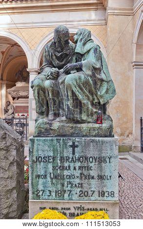 Sculptor Josef Drahonovsky Tomb In Vysehrad Cemetery, Prague