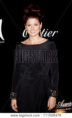 Debra Messing at the Rodeo Drive Walk of Style Award honoring Princess Grace Kelly of Monaco and Cartier in Beverly Hills on October 22, 2009.