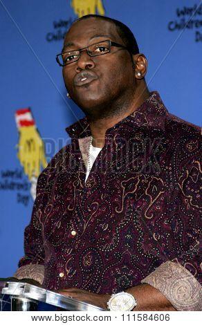 LOS ANGELES, CA - NOVEMBER 15, 2005: Randy Jackson at the 2005 World Children's Day at the Ronald McDonald House in Los Angeles, USA on November 15, 2005.