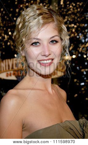 HOLLYWOOD, CALIFORNIA. October 17, 2005. Rosamund Pike at the Los Angeles Premiere of