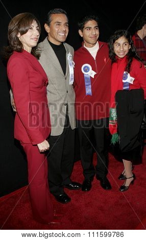 November 27, 2005 - Hollywood - Antonio Villaraigosa at the 2005 Hollywood Christmas Parade at the Hollywood Roosevelt Hotel in Hollywood, CA. USA.