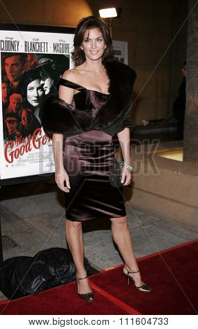 HOLLYWOOD, CALIFORNIA. December 4, 2006. Cindy Crawford attends the Los Angeles Premiere of