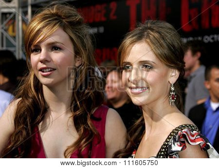 10/08/2006 - Buena Park - Amber Tamblyn and Sarah Michelle Gellar attend the World Premiere of