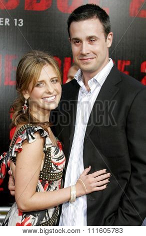 10/08/2006 - Buena Park - Freddie Prinze Jr. and wife Sarah Michelle Gellar attend the World Premiere of