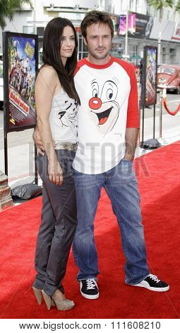 HOLLYWOOD, CALIFORNIA. July 30, 2006. Courteney Cox and David Arquette attend the World Premiere of