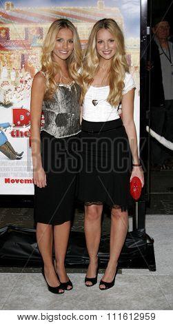 HOLLYWOOD, CALIFORNIA. November 12, 2006. Sabrina Aldridge and Kelly Aldridge at the World Premiere of