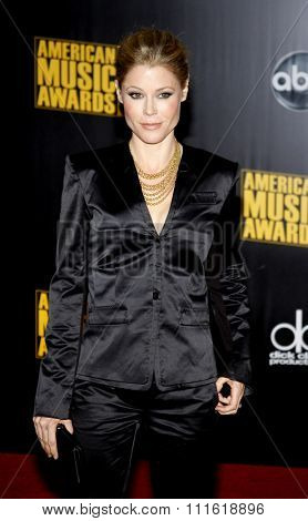 Julie Bowen at the 2009 American Music Awards at Nokia Theatre L.A. Live in Los Angeles, USA on November 22, 2009.