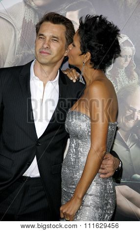 Olivier Martinez and Halle Berry at the Los Angeles premiere of