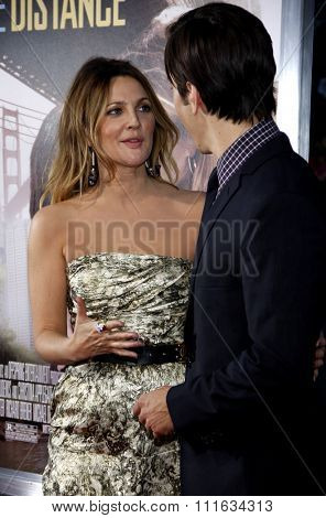 Justin Long and Drew Barrymore at the Los Angeles Premiere of