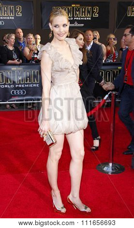 Leslie Bibb at the World Premiere of