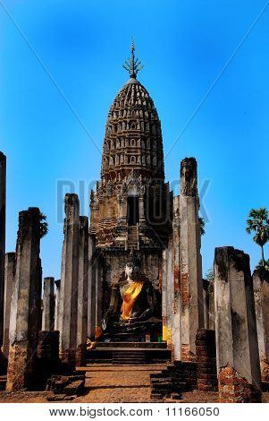 The Grand Hall of Wat Maha That Sukhothai