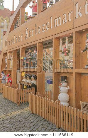 Entrance to Market